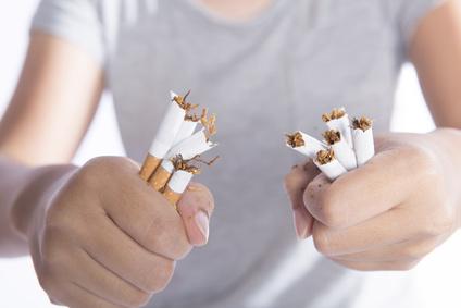 未成年者の喫煙は大人が処罰されます